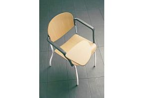 houten stoel Indy met schrijftplank